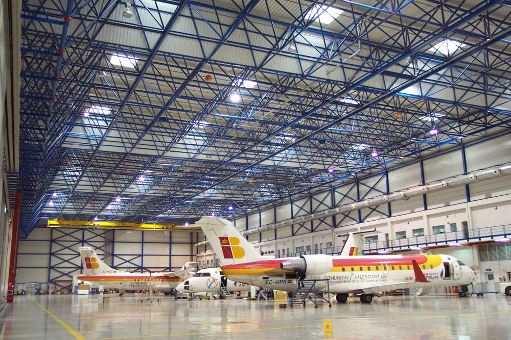Hangar Air Nostrum Lanik